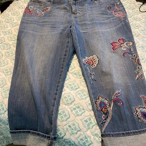 Chicos Embroidered crop Jeans